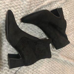 Unisa black faux suede Havana ankle boot 9.5